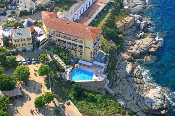 Réservez dès aujourd'hui votre séjour à l'Hôtel Saint-Christophe de Calvi