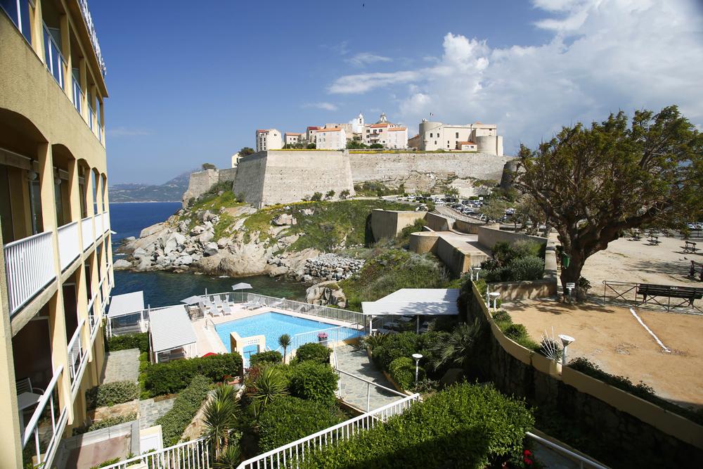 Le Saint-Christophe, hôtel 3* avec vue sur mer à Calvi