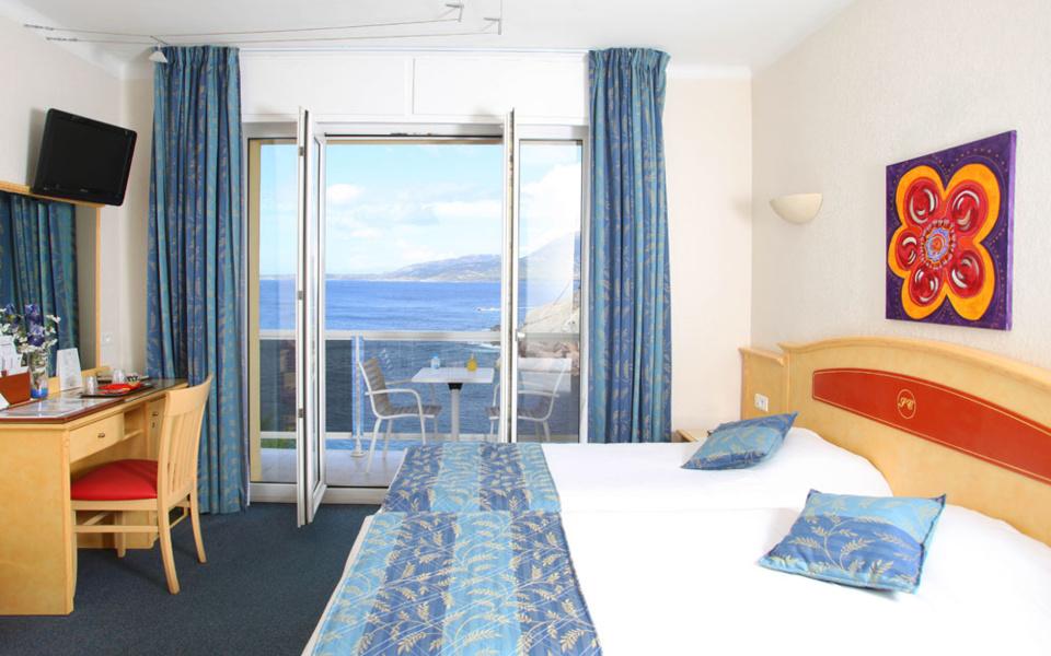 Des chambres tout confort avec vue sur la mer ou la citadelle